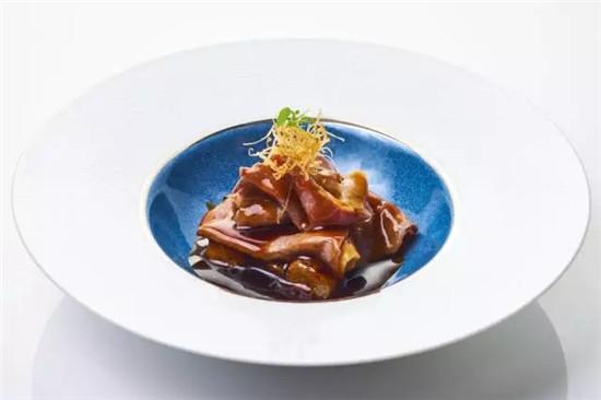 【海派菜】顶级M9澳洲和牛肠粉松茸汁