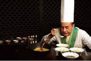 学小吃网大厨的成功之路:戴龙:为什么我的炒饭能卖5000元一份?
