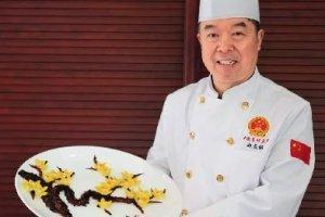 学小吃网大厨的成功之路:赵友铭:潜心研究创制中西结合的素菜品种