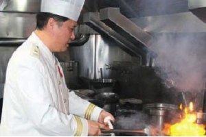 学小吃网大厨的成功之路:唯有美食不可辜负 唯有匠心可坚持——王鸿庆