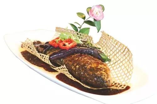 【农家菜】土灶活鱼炖茄子