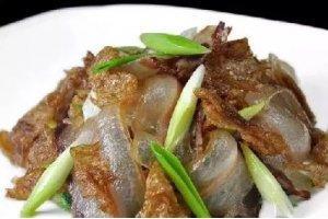 【家常菜】盐白菜炒油底肉