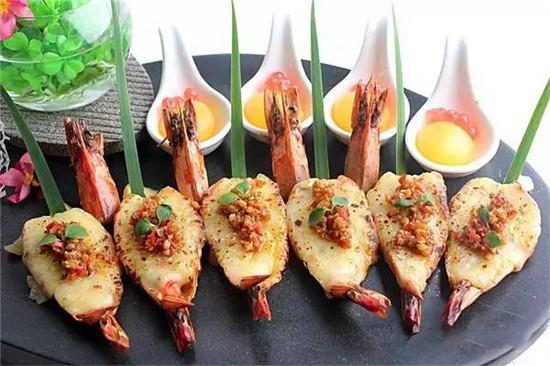 【融合菜】芝士焗泡菜大虾配芒果胶囊