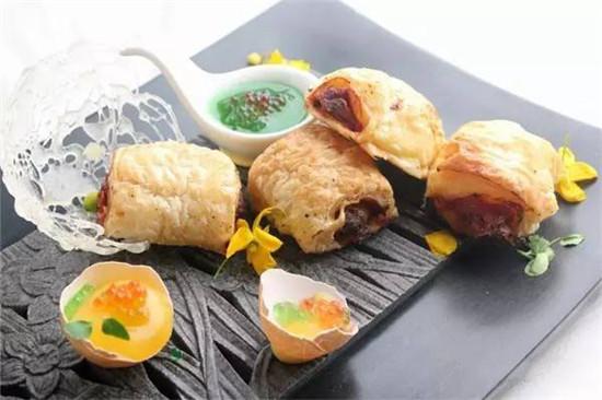 【融合菜】酥皮泡菜汁灯局鸡翅佐芒果蛋黄