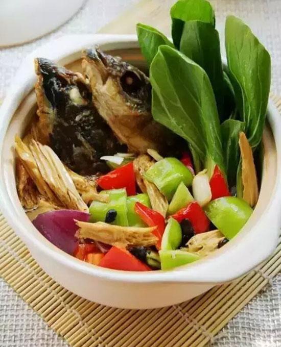 豉香腐竹鱼头煲的做法